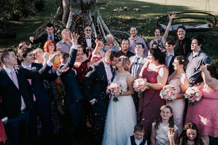 kiss at wedding