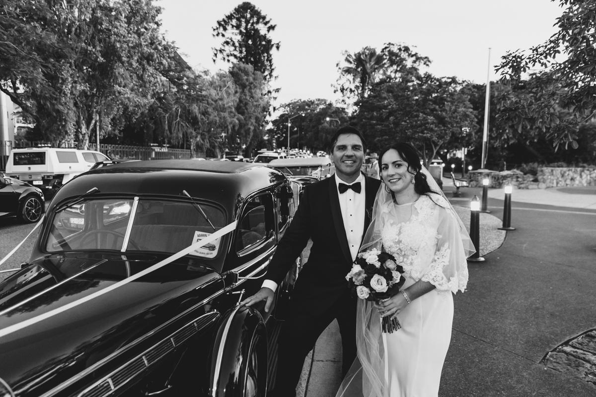 bride groom photo in car